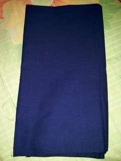 Pashmina ima warna navy