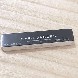 🚚 Marc Jacobs Velvet Noir Volume Mascara deluxe sample 5g