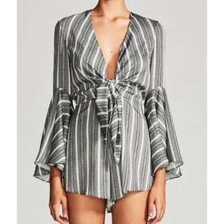 RENT Shona Joy phoenix tie front play suit size 8