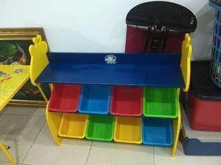Ziraffe toys storage