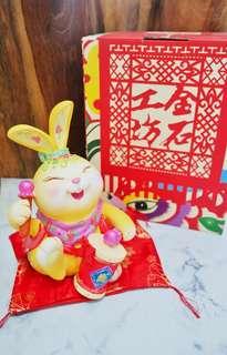 🚚 Jin Shi gong fang 金石工坊 maneki Neko Rabbit 兔子 Fortune Cat