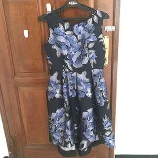 Dress Pesta Gaun Laud Floral Hitam