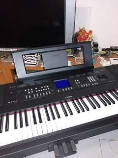 Yamaha DGX 650 electric keyboards / piano
