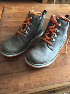 Clarks boy shoes size 1.5 - euro33