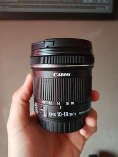 Canon EF-S 10-18mm f4.5-5.6 MACRO 0.22m/0.7ft