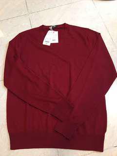 Uniqlo v neck sweater