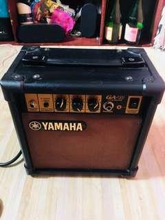YAMAHA 10W GUITAR AMPLI