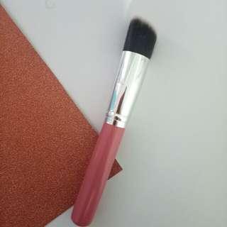 Angled Brush (Bronzer/Contour Brush)