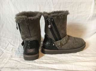 authentic uggs!! <3