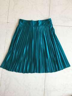 Tomato Pleated Skirt