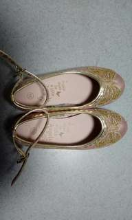 金色蝴蝶女童平底鞋 girls gold butterfly details flats