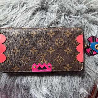 LV Totem Zippy wallet