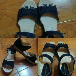 blue black mate sandals