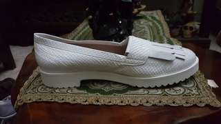 CYPRES  Flat Shoes White