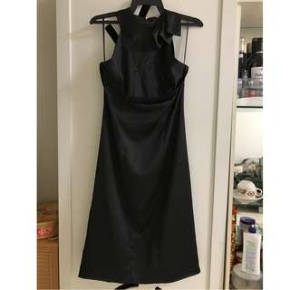 高雅黑色洋装 Little Black Dress