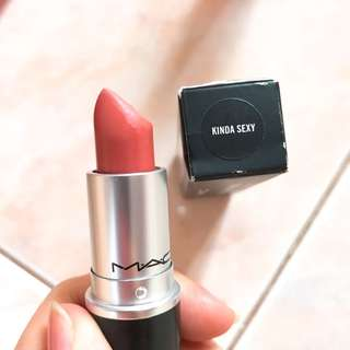MAC Matte Lipstick Kinda Sexy
