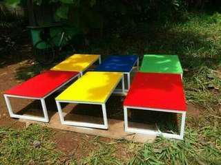Meja n kursi bisa custom murah meriah untuk areal jakartanya