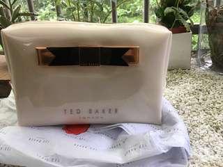 🚚 TED BAKER 大容量 萬用包 化妝包