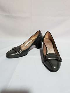 Authentic SALVATORE FERRAGAMO Block Heels Size 5 D
