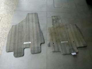 Imported Used Toyota Estima Hybrid front carpet