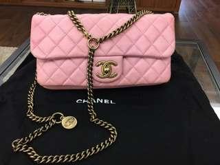 美品Chanel櫻花粉羊皮金幣銅鍊flap bag 25x13cm