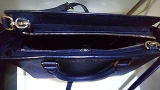 Genuine Michael Kors Selma Saffiano Leather medium satchel. Used in few occasions still very new