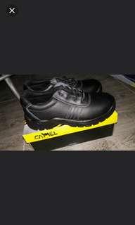 Rush sale brandnew camel safety shoes w/receipt