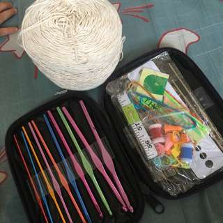 Crochet Hook Set with Yarn