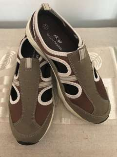 Sporty Walking / Casual Shoes