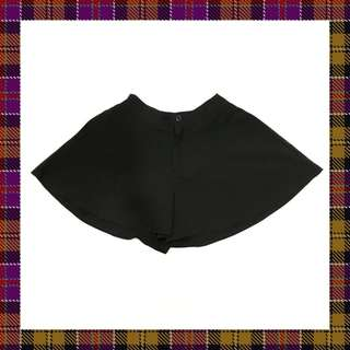 🚚 純黑傘狀短褲褲裙