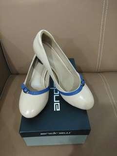 Sepatu Andrew Size 38