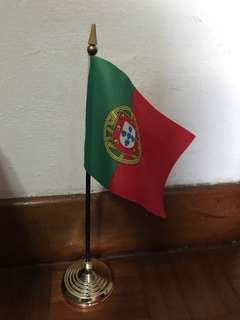 Portugal table top state flag