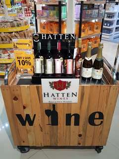 Ready hatten wine