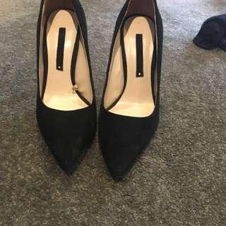 Zara Black Suede Stillettos Gold detail size 40