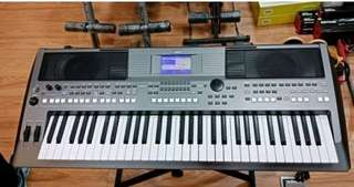 Keyboard Yamaha PSR S670 ( Kredit )