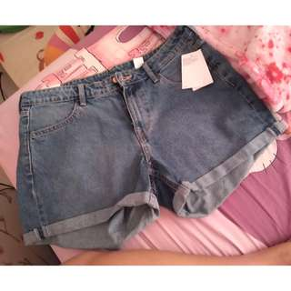 SHORT JEANS HNM HOT PANTS CELANA PENDEK H&M