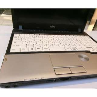 Fujitsu lifebook p series intel core i5 netbook