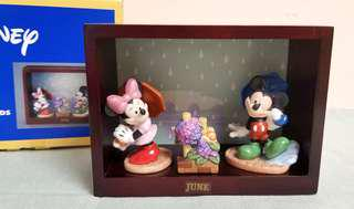 Disney Mickey & Friends Monthly Figurine Collection 陶瓷 - (Jun) Mickey Mouse 米奇老鼠。Mini Mouse 米妮老鼠