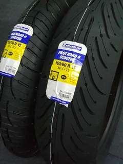"17"" Michelin Pilot Road 4 Tyre Set"