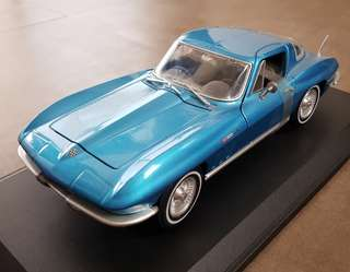 Rare Maisto 1965 Corvette Stingray C2 1:18 Scale