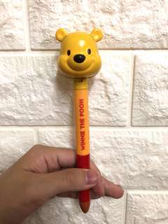 伸縮小熊維尼黑色原子筆
