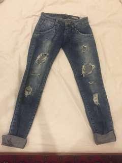 Zara TRf ( ripped skinny jeans)