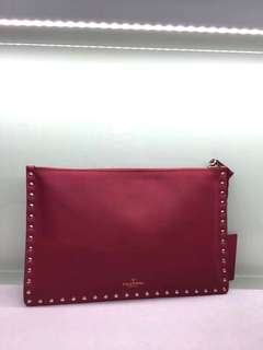 Valentino Garavani Rockstud large flat pouch in Stampa Alce calfskin Red Size:30 x20 Real and New
