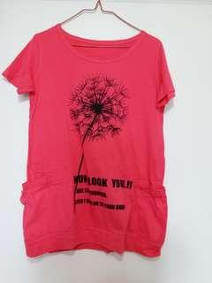 紫紅色有袋T恤