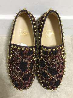 LB shoes in lace and gold studs