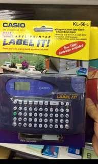 Casio KL60英文標籤機 姓名人名貼紙機 label maker