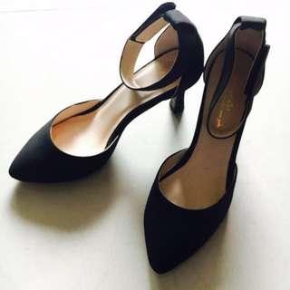 amai黑色優雅繫帶高跟鞋