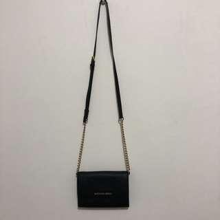 🚚 Michael Kors黑色防刮皮革鍊袋斜背長夾 Jet Set Travel Saffiano Leather Smartphone Crossbody