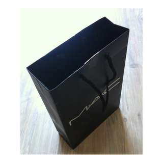 (半價) MAC Black Paper Shopping Gift Bag 紙袋 禮物袋 (Half Price)