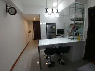 Spacious and unblocked 1 bedroom condo